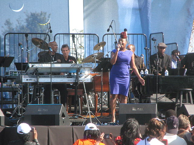 640px-20111016_Ledisi_at_the_MLK_Memorial_dedication_concert