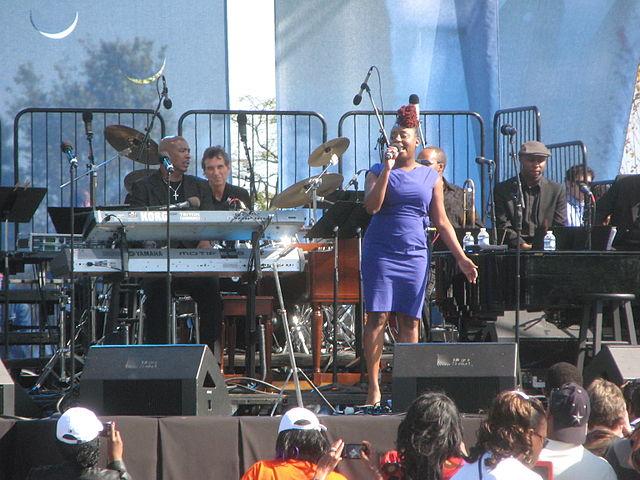 640px-20111016_Ledisi_at_the_MLK_Memorial_dedication_concert